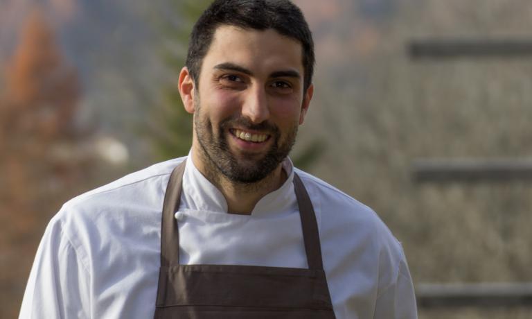 Sono dieci i finalisti del Premio Birra Moretti Grand Cru e i loro piatti (sopra, Riccardo Gaspari). A questo link è possibile votare le ricette, fino al 14 ottobre