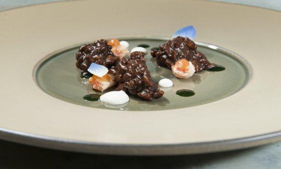 Carnaroli, aglio nero, gamberi di fiume, robiola e