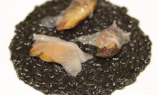 Risotto al nostro nero con porcini e lardo