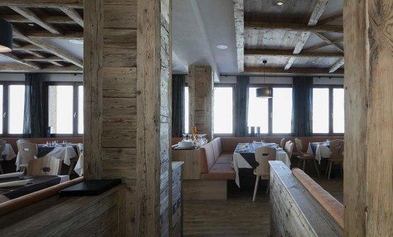 La sala del ristorante alla Nuova Capanna Presena