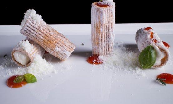 IRigatoni con pomodoro e mozzarella che diventano un dessert. E' ormai un classico di Cristoforo Trapani, chef delMagnolia dell'hotel Byron, a Forte dei Marmi