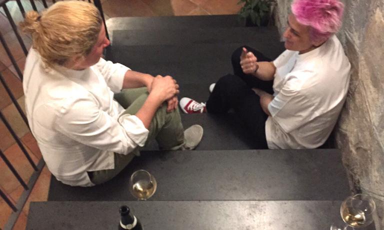 Ana Ros e Cristina Bowerman si rilassano un momento durante il servizio a Villa Chiara il 20 aprile 2016
