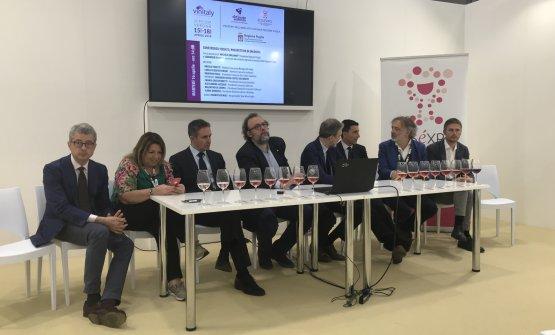 Il mondo del vino rosato al centro di un incontro che si è tenuto all'ultimo Vinitaly a Verona