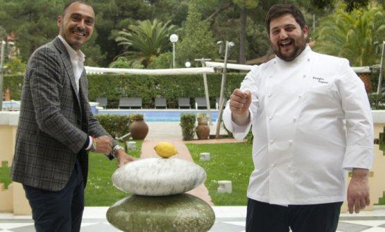 Lo chef con patron Salvatore Madonna