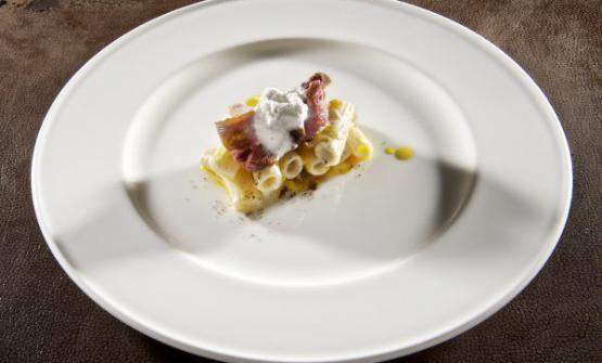 Tre paste in una nella lezione diDavide ScabindelCombal. Zero di Rivoli (Torino): Cacio&Pepe,Carbonarae Genovese