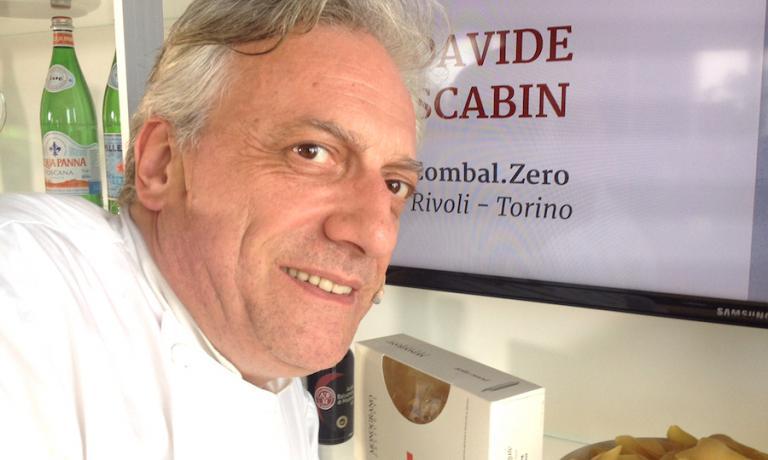 Davide Scabin a Identità Expo: il declassamento del suo Combal.zero a Rivoli vicino Torino, da due a una stella, ha scatenato polemiche a non finire