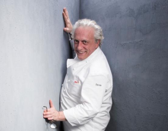 Davide Scabin, sarà uno dei protagonisti del calendario di cooking show organizzati da Identità Golose all'interno del Padiglione 4 a Host: da venerdì 23 a martedì 22 ottobre ogni chef presenterà un piatto focalizzato sull'utilizzo delle tecnologie e delle attrezzature in fase di preparazione (foto Brambilla-Serrani)