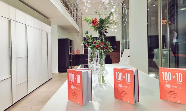 """La presentazione di """"100 chef x 10 anni"""" nelo spazio Valcucine a Milano"""