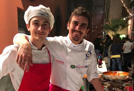 Giovanni Sorrentino (a destra) con Ernesto Somma, uno dei 4 giovanissimiche compone la sua brigata (foto scattata all'ultima Festa a Vico)