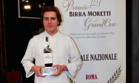 DA VINCITORE A GIURATO.Giuliano Baldessari, vincitore della prima edizione del Premio Birra Moretti Grand Cru