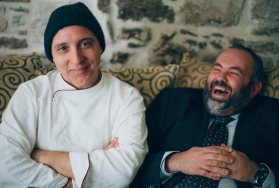Enrico MazzaronieGianluigi Silvestri, mister cucina e sala del Tiglio di Montemonaco (foto cronachefermane.it)