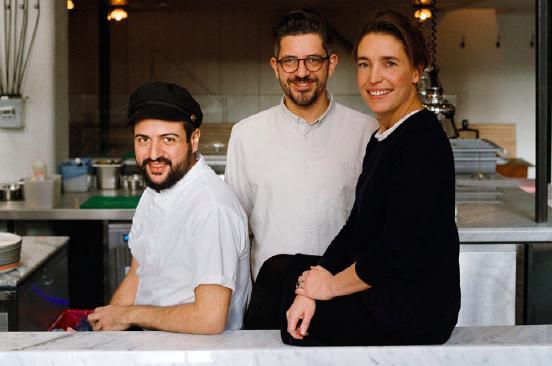 Matteo Aloe (30 anni), Salvatore Aloe(37) e la partner australianaEmma King