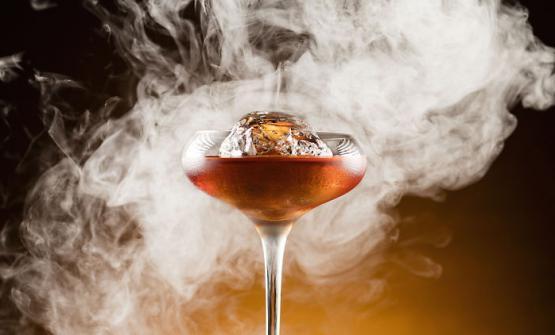 Union cocktail at the M-Bar, on the 25th floor (photoM-Bar)