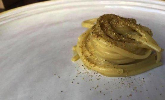 Linguine, liquamen e pistacchiodiFloriano PellegrinoeIsabella PotìdiBrosa Lecce