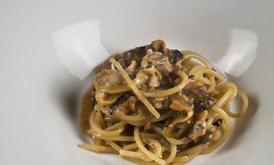 Primo piatto in carta daLorenzoaForte dei Marmi (Lucca), un grande indirizzo di cucina di mare e non solo
