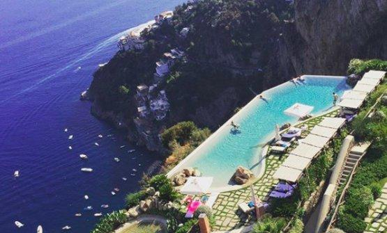 La vista che si gode dalMonastero Santa Rosaa Conca dei Marini, Salerno, sede del ristorante Refettorio di Cristoph Bob (fotomonasterosantarosa.com)