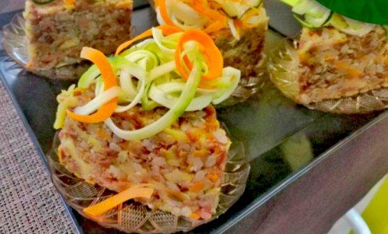Riso rosso selvatico con carote e zucchine al curry e cavolo verza alla curcuma, Verdechiaro