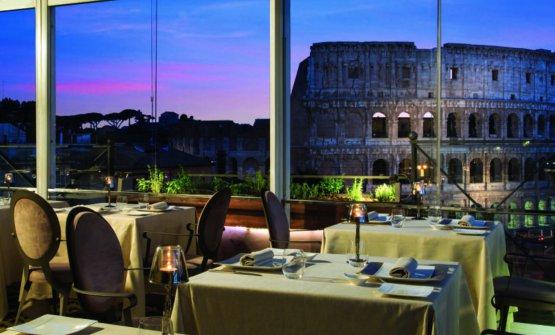 Vista magnifica sul Colosseo dall'Aroma di Palazzo Manfredi, una delle dodici novità capitoline della Guida Identità Golose 2018
