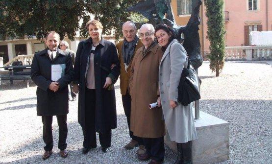 Inaugurazione della scultura Romeo e Giulietta di Enrico Muscetra a Verona con la signora ministro della Cultura di Polonia