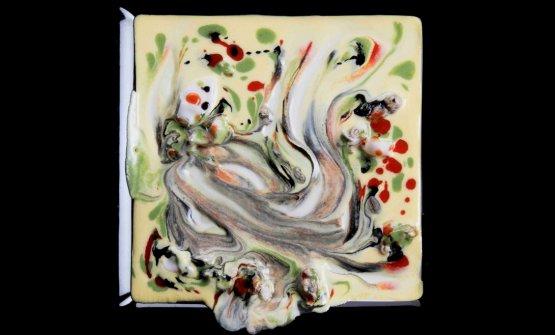 Dripping di pesce, omaggio a Jackson Pollock:come si vede dalle scie di colore che restano distinte, le sostanze conservano identità e individualità