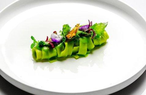 Tagliolino con alga, alici di Menaica e broccoletti (fotothisismee)