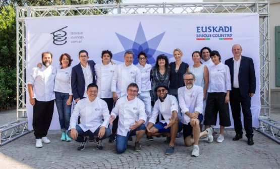 Standing in the middle, Reichl during the symposium organised by the Basque Culinary Center in Modena, on July 24th