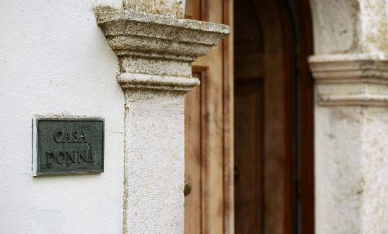 L'entrata al Casadonna di Romito(foto Roberto Sammartini per Grande Cucina)