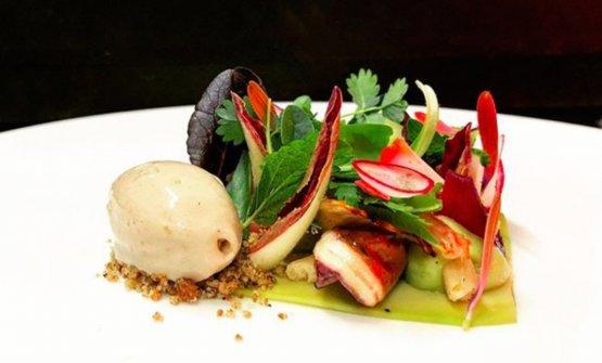 Gambero, avocado e gelato pane, burro e alici