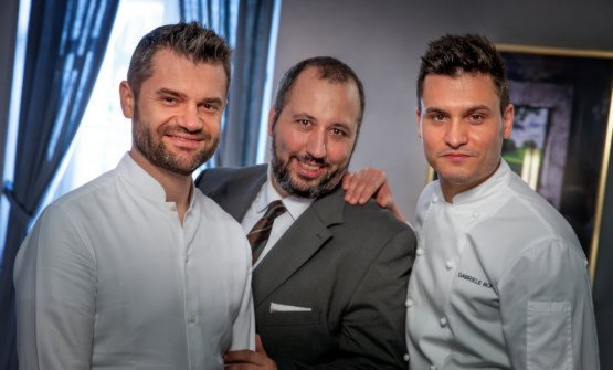 Il trio dellaLocanda del Sant'Uffizio: a sinistraEnrico Bartolini, a destraGabriele Boffa, al centro ilmaître e sommelierFrancesco Palumbo