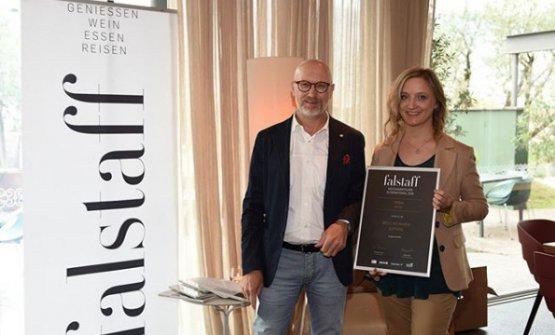 Gisela Schneiderpremiata dalla guida Falstaff per la carta dei vini del ristorante Terra a Sarentino (Bolzano)