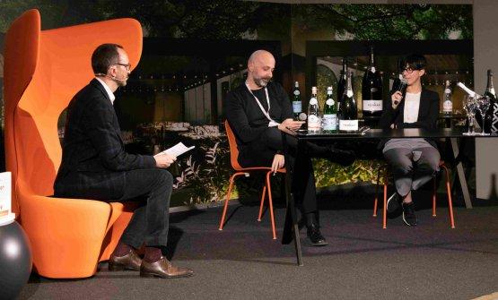 Cristiana e Niko Romito con il moderatore di Identità di Sala Federico De Cesare Viola
