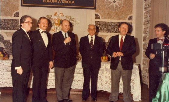 Europa a Tavola nel 1985. Sulla destraToni Sarcina, sulla sinistra Gualtiero Marchesi, HeinzWinkler e Alain Chapel
