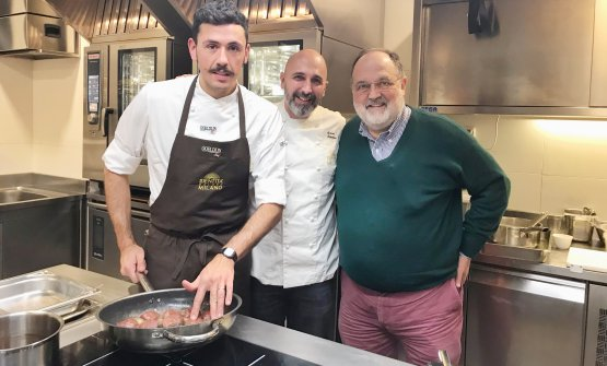 Andrea Ribaldone, al centro, con Enrico Marmo e Paolo Marchi