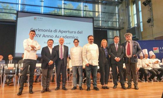Da sinistra: il Direttore DidatticoMatteo Berti,Michel Troisgros, il PresidenteEnzo Malanca, Ezio Marinato,Paolo Lopriore,Mariella Organi, il Direttore GeneraleAndrea SinigagliaeAndrea Grignaffini