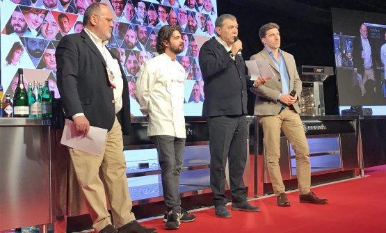 Paolo Marchi,Federico Sisti(il più votato con il Ronchettino di Milano nella prima edizione),Claudio CeronieAlmir Ambeskovic: dal palco diIdentitàhanno annunciato il via alla seconda edizione diTheFork Restaurant Awards