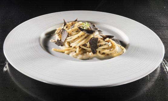 Spaghetti fumè, fagioli cannellini di Atina e tartufo nero di Norcia, il piatto presentato da Colonna a Identità Milano 2018
