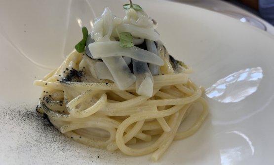 Spaghetto al bianco e nero di seppia