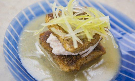 Spatola panata al barbecue, con mandorle e Leche de Tigre
