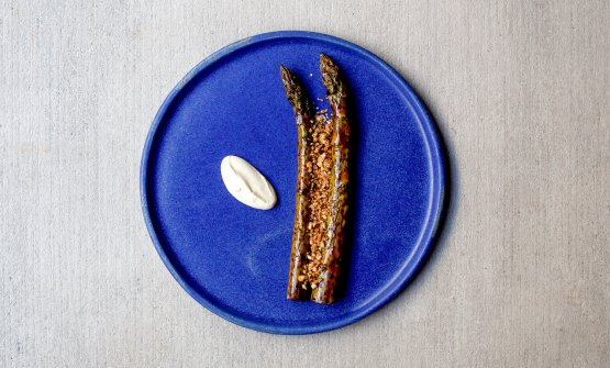 Asparagus, asparagus crumble, hazelnut butter