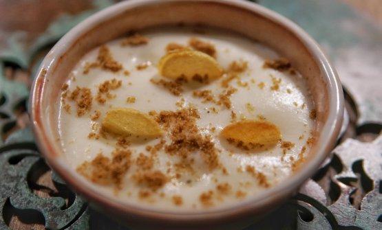 Spuma di patate di Pietramala aromatizzata alla vaniglia, mousse di cioccolato bianco, tartufo e polvere di buccia di patate