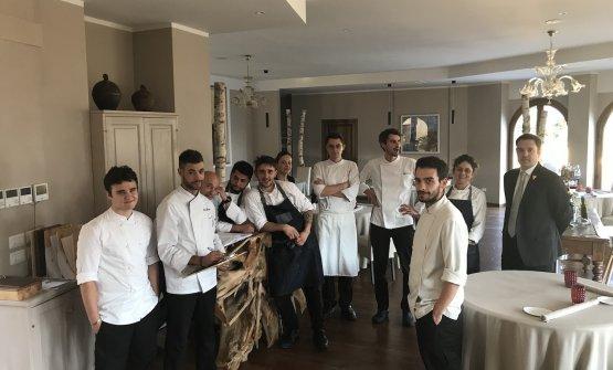 Lo staff del Mater, ristorante gastronomico del Bo