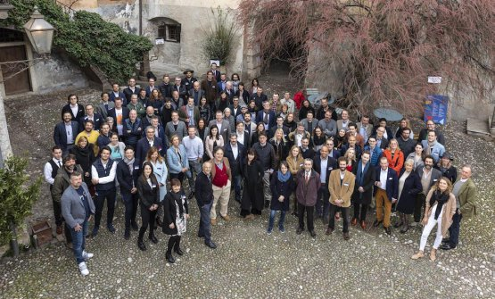 Foto di gruppo dei produttori riuniti per Summa 20