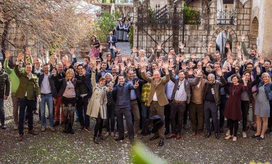 Summa di Alois Lageder: foto di gruppo dei produttori dello scorso anno