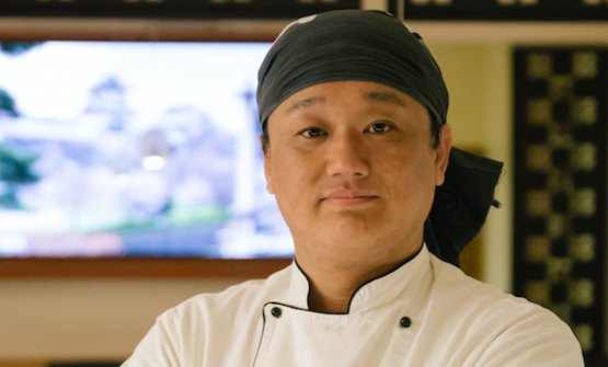 Lo chef Eiji Yamamotodel ristorante Sushisen