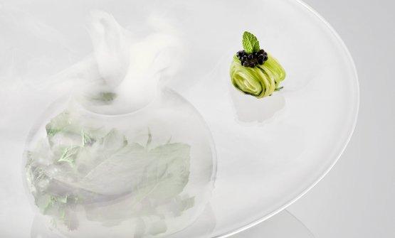 Tagliolini di zucchine, perlage di tartufo nero e menta