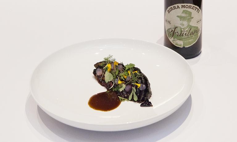 Quando è nero è cottodiSimone Tanzi, chef de partie del ristoranteMateriadi Cernobbio (Como)