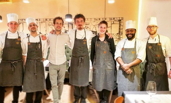La squadra del N.O.I., al centro lo chef Tommaso Spagnolo