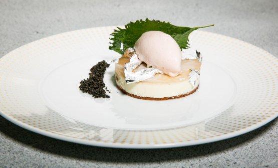 Cremoso al cioccolato bianco, argento, polvere di liquirizia e olive nere, gelato all'aceto di shiso