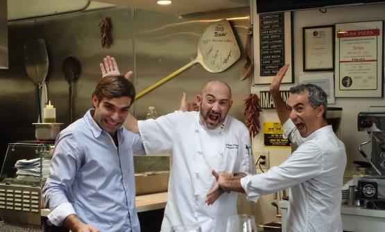 D'Angelo, al centro, e Campilongo, a sinistra, con Giuseppe Errico,cugino del secondo,manager a Terùn e partner a iTalico