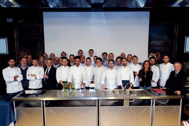 La terza edizione del Premio Birra Moretti Grand Cru ha visto la vittoria diLuigi Salomone, sous-chef del ristorante Marennà di Cerza Grossa Sorbo Serpico (Avellino)